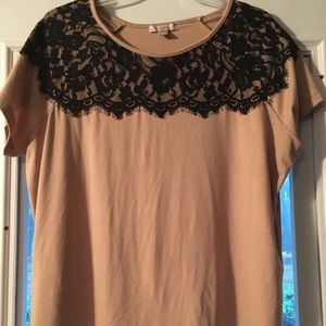 Tops - Xlarge cute short sleeve blouse